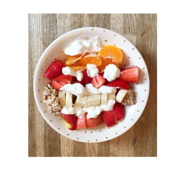 fruit and yogurt bowl